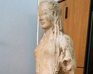 Античную статую спрятали вместе с козами