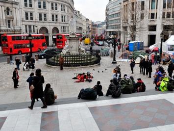 Оппозиционный палаточный лагерь в центре Лондона